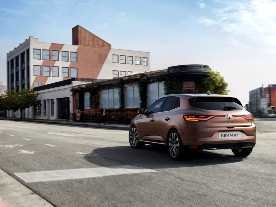 RENAULT MEGANE FACELIFT: PLUG-IN HYBRID VERSION